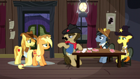 Silverstar calms down Applejack and Braeburn S5E6