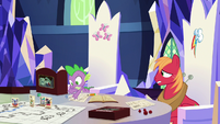 Spike rolling d20 for Discord's action S6E17