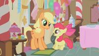 Applejack startling Apple Bloom S01E12
