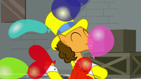 Balloons rain down on Cheese Sandwich S9E14
