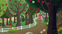 Big Mac and Sugar Belle walk on the farm S9E23