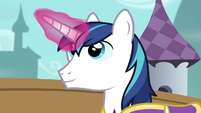 Shining Armor able to use magic S4E26