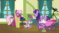 Twilight, Cheerilee, Spike, and Flurry in the classroom S7E3