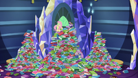 Twilight and Fluttershy in the messy castle library S7E20