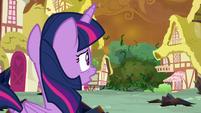 Twilight looks at encroaching vines S9E2