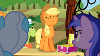 Angry ponies watch Applejack S2E15