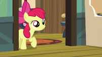 Apple Bloom cautiously enters the kitchen S5E4