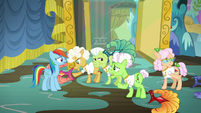 Applesauce -we've been waiting to be picked- S8E5