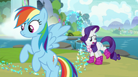 """Rarity """"these boots were not made for trotting"""" S8E17"""