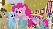 S03E03 Klon mówi, że jest prawdziwą Pinkie
