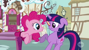 S03E07 Pinkie zaskakuje Twilight