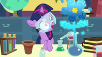Twilight's beaker makes a flower-shaped cloud S7E1