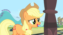 Applejack 'Cadance just loves you to pieces!' S4E11