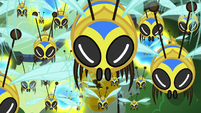Flash bees staring back at Fluttershy S7E20