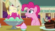 S06E09 Pinkie opowiada o niefortunnej sytuacji