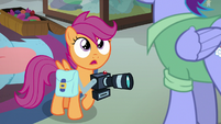 """Scootaloo """"you don't know that your daughter's a Wonderbolt?"""" S7E7"""