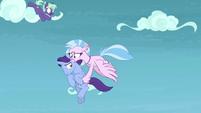 Silverstream catches unicorn in midair S8E25