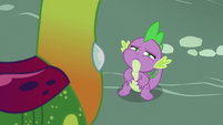 Spike notices something in the sky S7E15