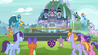 Students gathering for the school photo S8E2