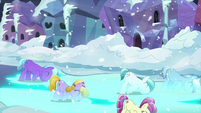 The Crystal Ponies bowing and making the streets glow blue S6E2