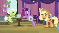 Twilight signing up for Trivia Trot S9E16