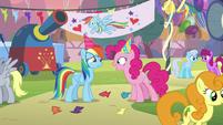 "Pinkie Pie ""so glad you enjoyed my pies!"" S7E23"