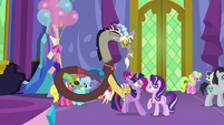 Discord pushing Twilight toward Starlight S7E1
