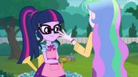Principal Celestia gives Twilight the greenhouse keys EGDS8