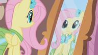 S01E14 Fluttershy przegląda się w lustrze