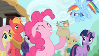 Pinkie Pie eating lots of taffy S2E14