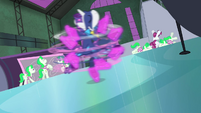 Rarity spinning on icy floor S4E06