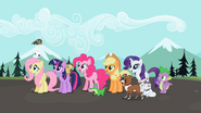 S02E07 Przyjaciółki, Spike i ich zwierzaki czekają na Rainbow