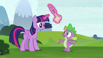 Spike completes his flight demonstration S8E24