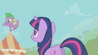 Spike flying S01E13
