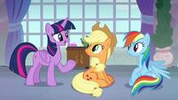 Twilight talking to Applejack and Rainbow S8E9