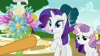 Twisty Pop gives balloon bouquet to Rarity S7E6