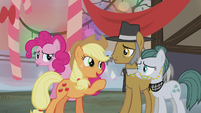 Applejack -we'll cook you up a meal- S5E20