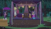 Applejack and Rarity under a tent CYOE13a