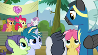 Crusaders watch foals interact with Thunderlane S7E21