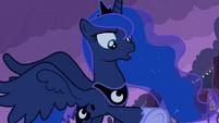 Luna talking 5 S2E04