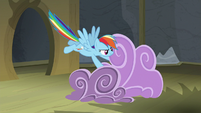Rainbow Dash gathering clouds together S8E7