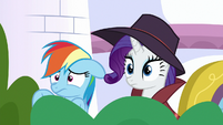 Rarity looking intrigued at Zephyr Breeze S9E4