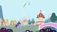 RainbowDash LoopAround