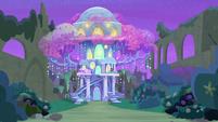 Treehouse of Harmony at night S9E7