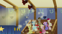 Apple Bloom falls over the stage S6E4