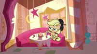 Applejack sitting by herself wearing a beret PLS1E3a