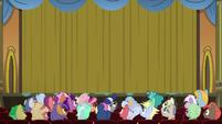 Curtains close on the magic show S8E5