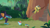 Daring Do flying up with Rainbow's vine S9E21