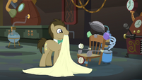 Dr. Hooves reveals his time machine S9E20