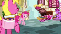 Pinkie Pie uncomfortable by the laughter S7E14
